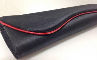 画像1: CHRISTIAN LOUBOUTIN(クリスチャンルブタン)ブラックシルクサテンレッドラインクラッチバッグ