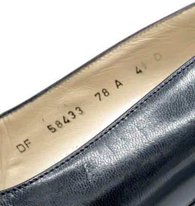 画像2: OLD FERRAGAMO(オールドフェラガモ) ブラックレザーポインテッドトゥパンプス 4 1/2D